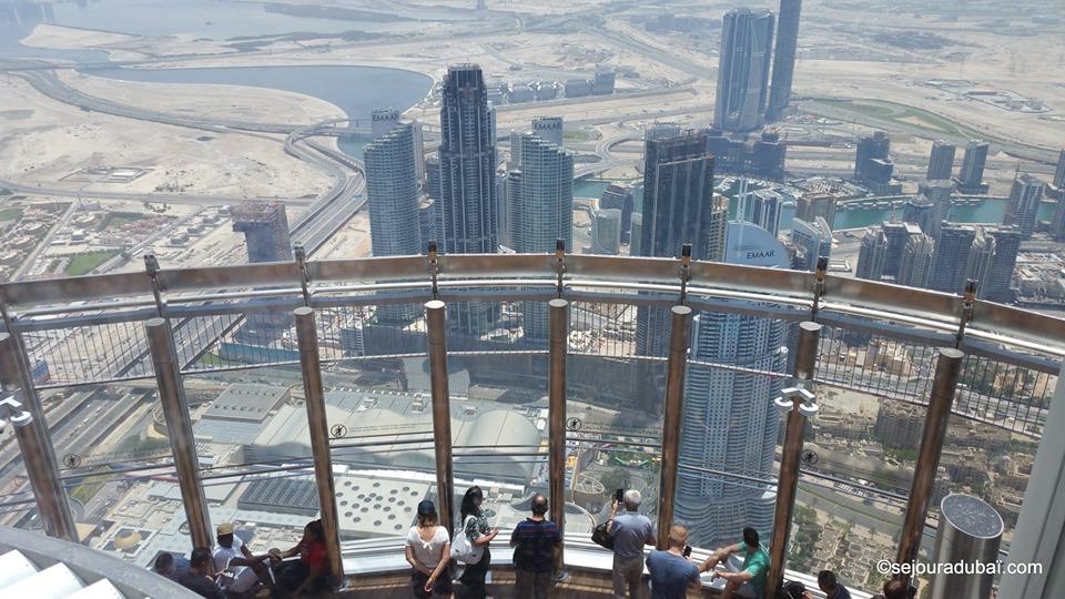 Burj khalifa At The Sky