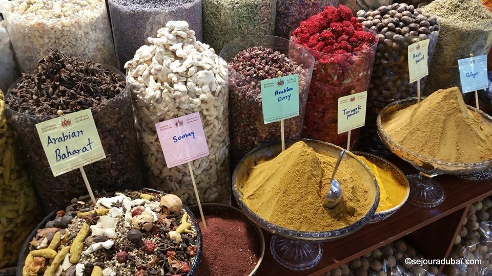 Dubaï Spice Souk : Le parfum enivrant des épices du Moyen-Orient